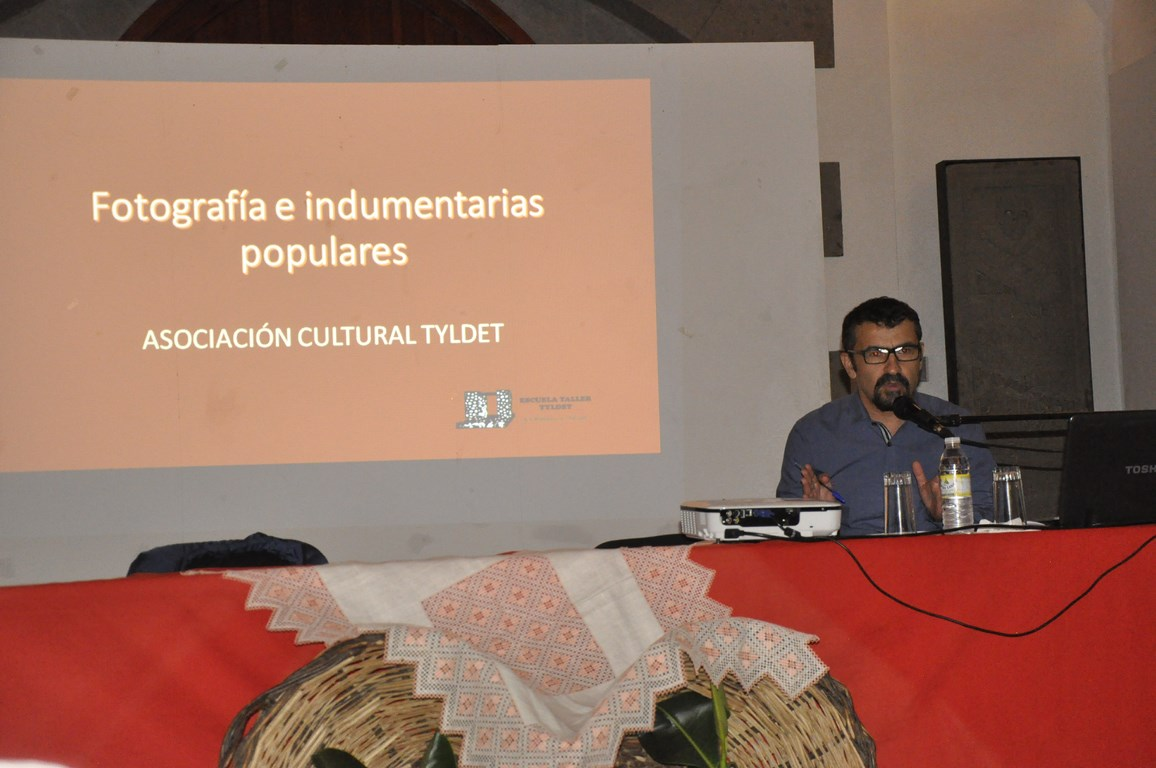 Momento de la conferencia. Foto: Federico Rodriguez Pérez